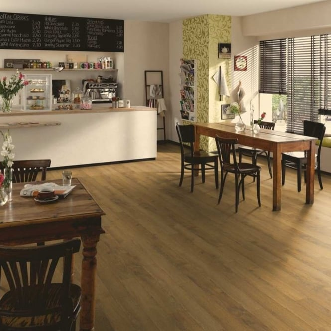 Premier Elite Natural Oak 8mm Laminate Flooring V-Groove AC4 1.99m2