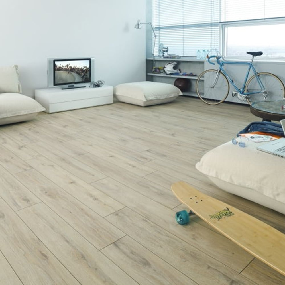 Premier Elite Sand Oak 8mm Laminate Flooring V Groove AC4 1.99m2