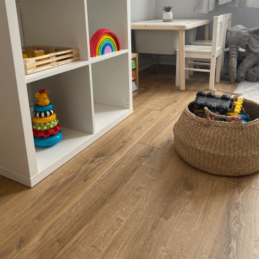 Premier Select - 8mm Laminate Flooring - Indian Oak
