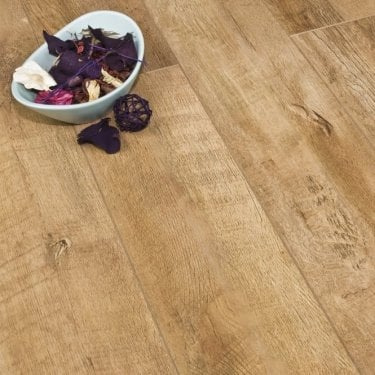Premier Select Farm Oak 8mm V-Groove AC4 2.162m2