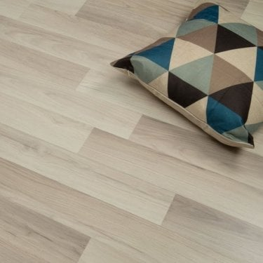 Provincial Silk Oak 7mm Flat Edge AC3 2.245m2