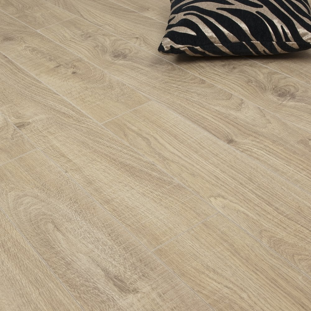 Rough Sawn Traditional Oak 10mm V Groove Ac4 1 76m2