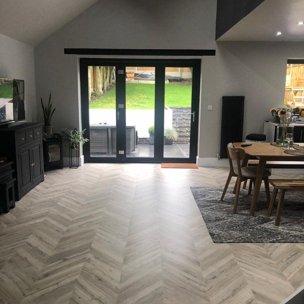 Light Oak Parquet Laminate Flooring, Herringbone Laminate Flooring