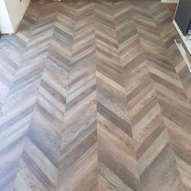 Signature - 8mm Laminate Flooring - Reclaimed Parquet