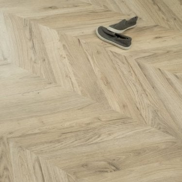 Signature Grandeur Oak Parquet Herringbone Laminate 8mm 2.53m2