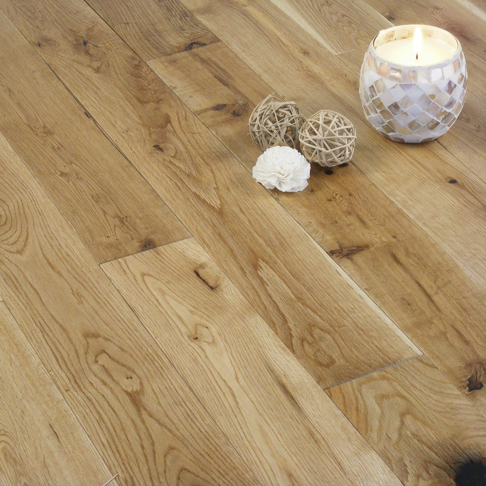 Solid wood flooring oak 18mm x 90mm lacquered for Solid oak wood flooring