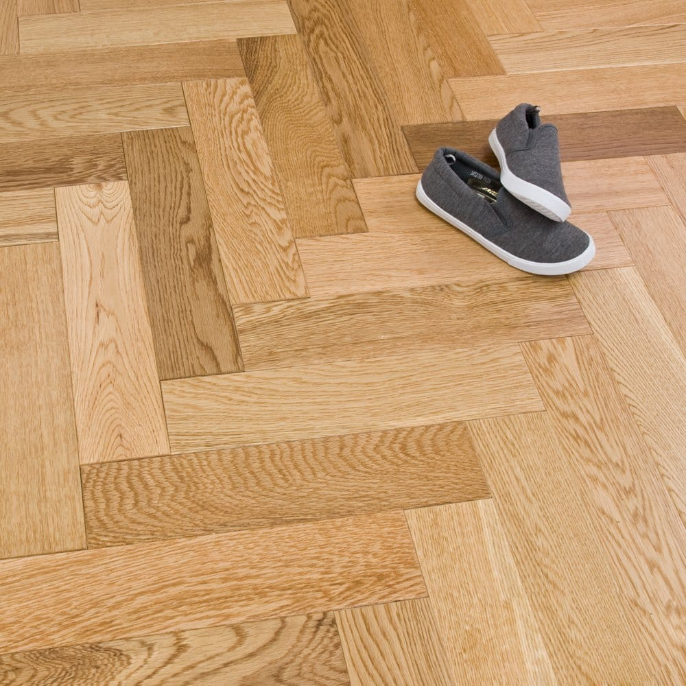 Solid herringbone oak 18mm x 80mm lacquered for Solid oak wood flooring
