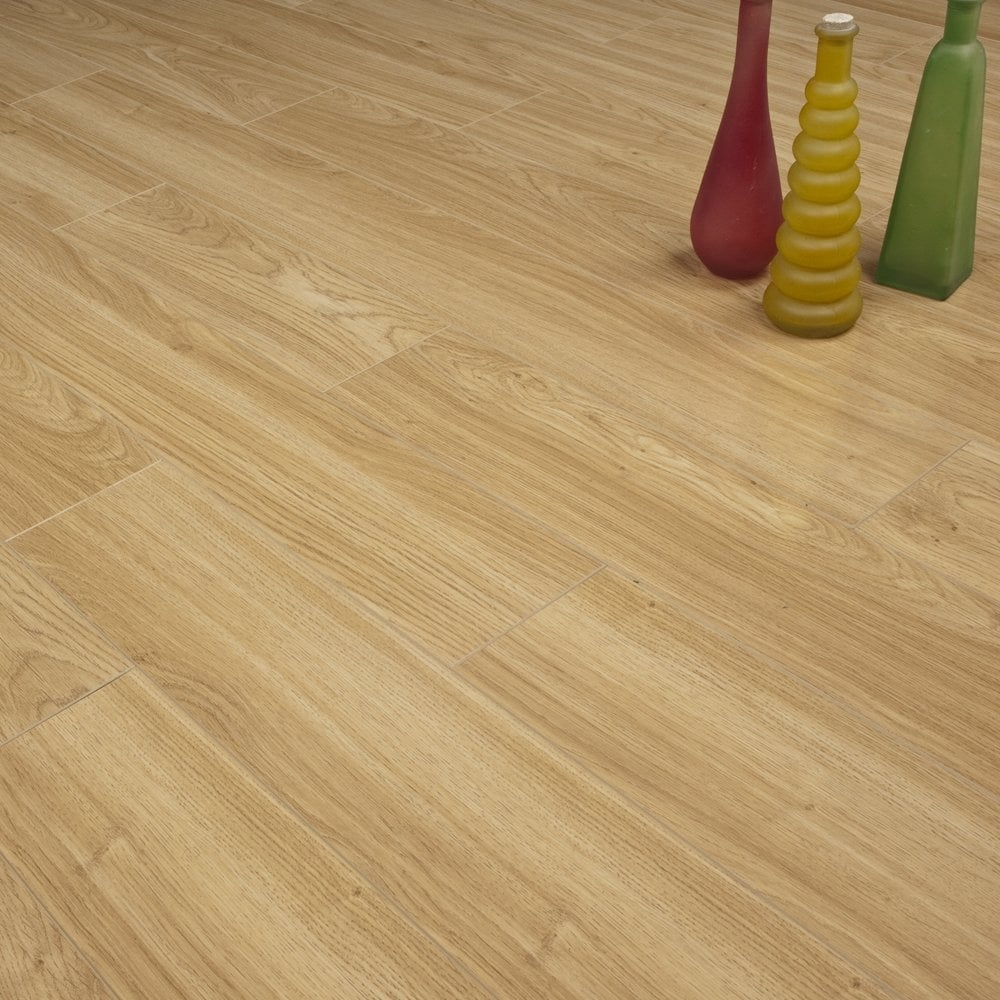 Super Gloss 12mm Light Oak V Groove Ac3 2 085m2 Laminate
