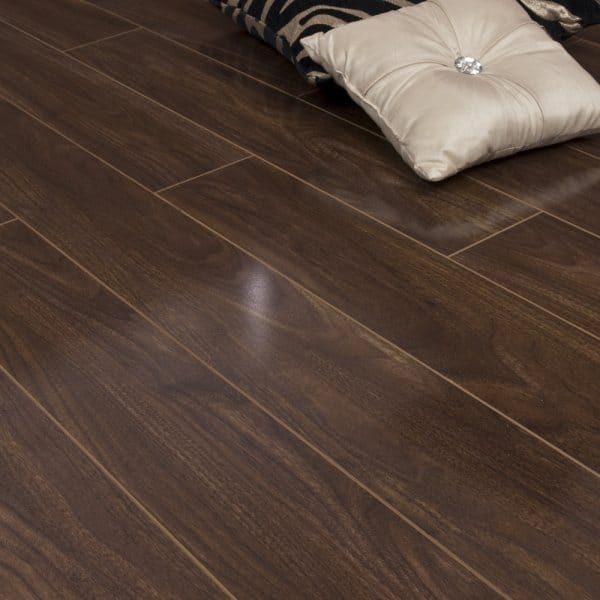 Super Gloss 12mm Walnut V Groove Ac3 2 085m2 Laminate From Flooring Depot Uk