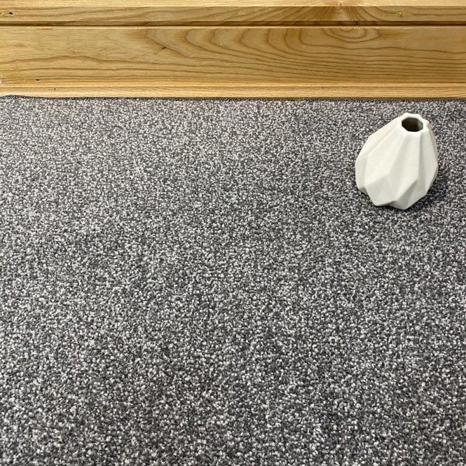 Superb 75 - Dark Grey Carpet - Medium Pile Height / Medium Density