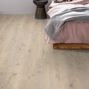 Sydney - 7mm Laminate Flooring - Chamber Oak
