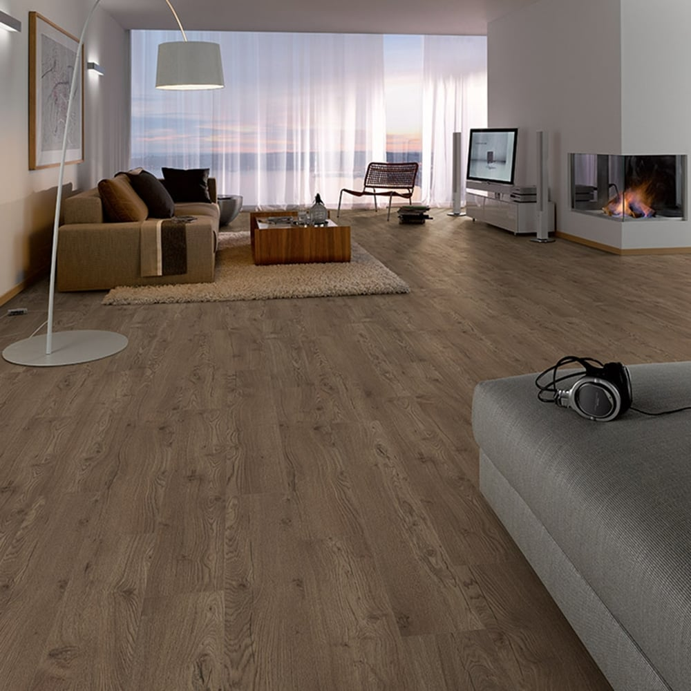 Sydney Chestnut Oak Laminate Flooring 7mm Flat Ac3 2 48m2