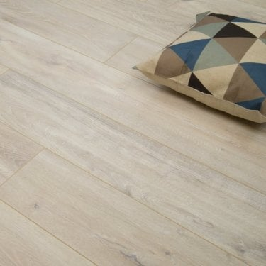Traverse - 8mm Laminate Flooring - Light Grey Wood