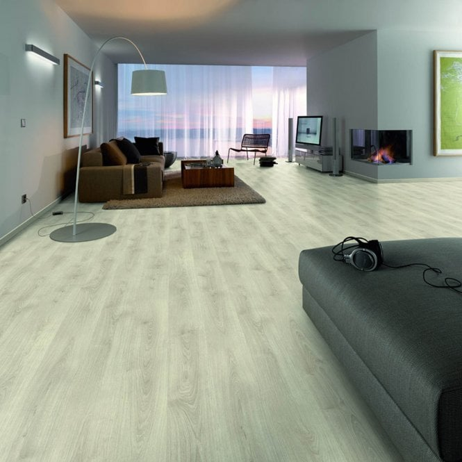 Wood Step - 8mm Laminate Flooring - Alpine Light Oak