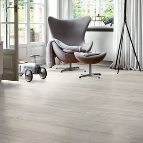 Wood Step - 8mm Laminate Flooring - Nickel Oak