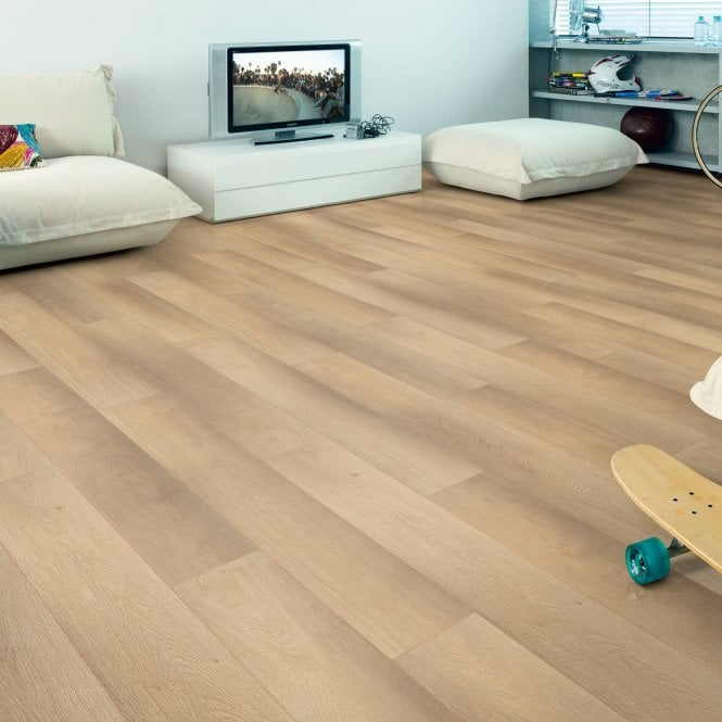 Wood Step - 8mm Laminate Flooring - Temple Oak